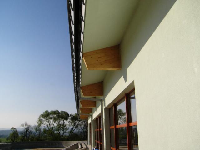 Drevená lepená konštrukcia, lepené lamelové nosníky - Wellness centrum – Hotel Kaskády