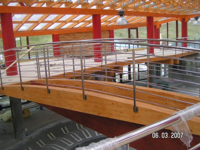 Drevená lepená konštrukcia, lepené lamelové nosníky - Tatralandia