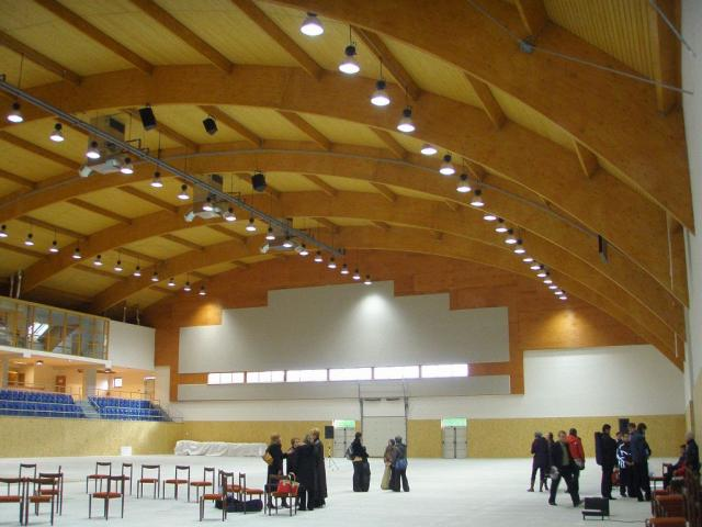 Drevená lepená konštrukcia, lepené lamelové nosníky - Multihala Liptovský Mikuláš – Ráztoky