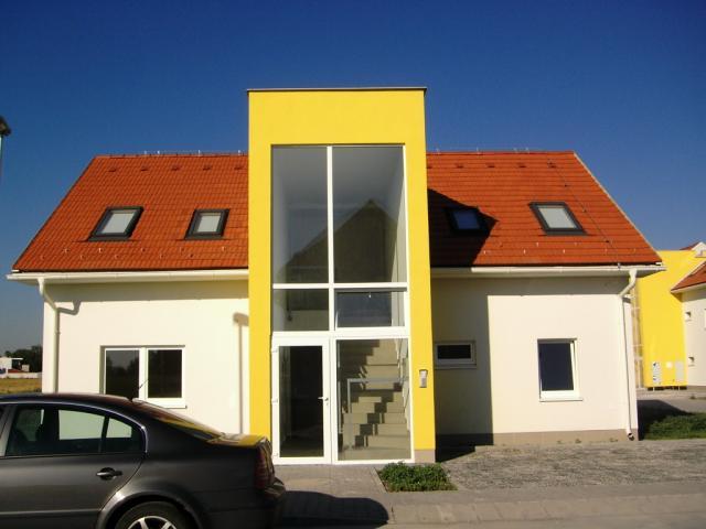 Drevená lepená konštrukcia, lepené lamelové nosníky - Rodinné domy 30 ks