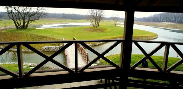 Drevená lepená konštrukcia, lepené lamelové nosníky - Sezónna reštaurácia, Golfový areál