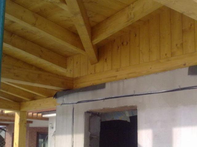 Drevená lepená konštrukcia, lepené lamelové nosníky - Prístrešok rodinného domu