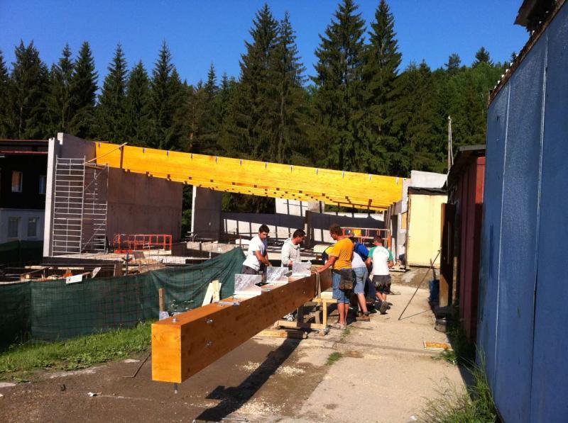 Drevená lepená konštrukcia, lepené lamelové nosníky - Wellness pri chate Čertov