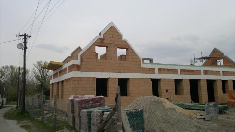 Drevená lepená konštrukcia, lepené lamelové nosníky - Fara Rusovce