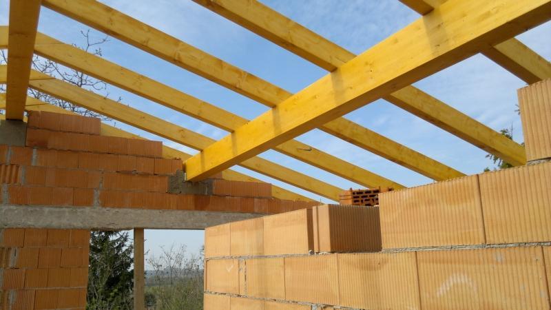 Drevená lepená konštrukcia, lepené lamelové nosníky - Rodinný dom Wolfstahl