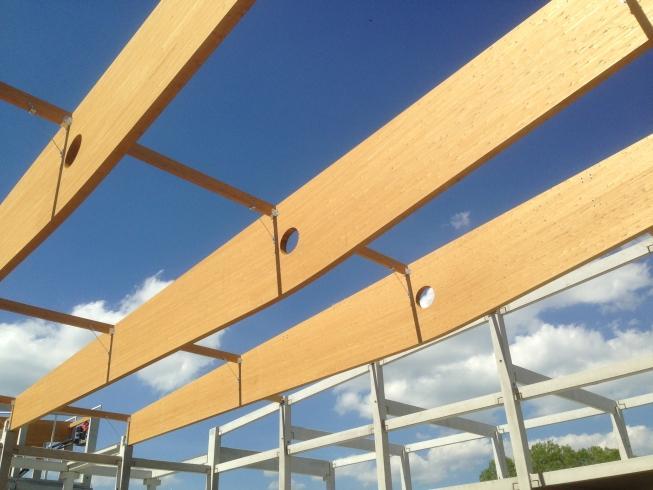 Drevená lepená konštrukcia, lepené lamelové nosníky - Active Zone – Poprad