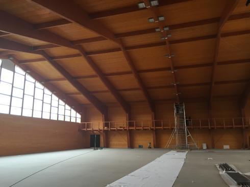 Drevená lepená konštrukcia, lepené lamelové nosníky - Tenisová hala Žilina